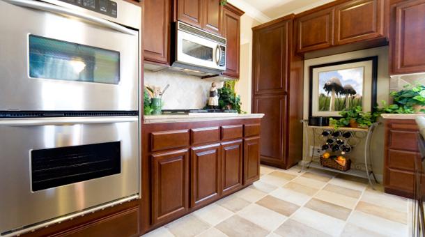 Muebles de cocina cocina madera maciza cedro for Muebles de cocina de madera maciza catalogo